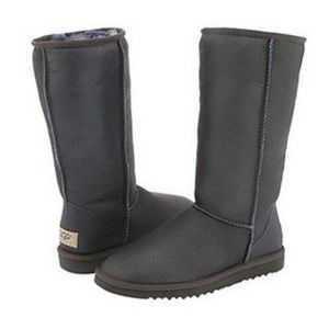 UGG Classic Tall Boots (Size 8)